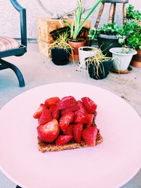 strawberries with hazelnut spred toast.JPG